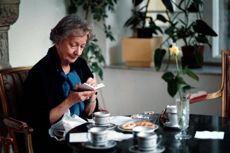 Mirė lenkų poetė, Nobelio premijos laureatė W.Szymborska