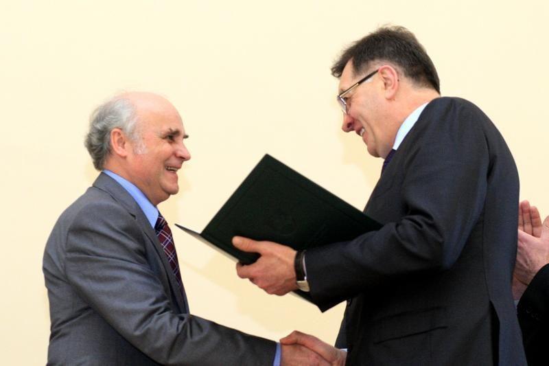 Mokslų akademijoje apdovanoti mokslo premijų laureatai