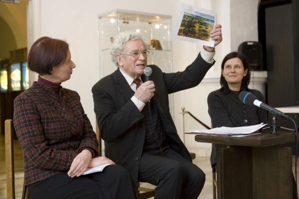 """2009-uosius Taikomosios dailės muziejus užbaigs """"įkalintas gintare"""""""