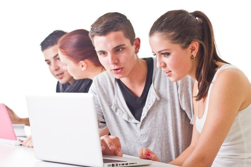 Baigiasi prašymų studijuoti aukštosiose mokyklose registravimas