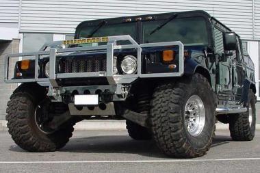 "Uostamiestyje apvogta ""Hummer"" markės mašina"
