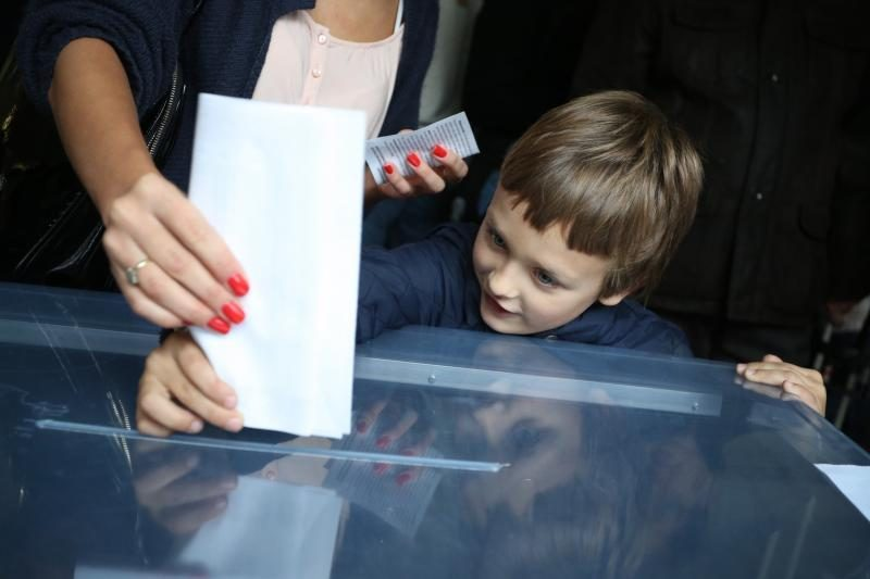 Sekmadienį iki 14 val. balsavo daugiau kaip ketvirtadalis rinkėjų