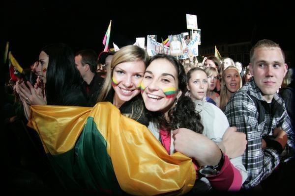 Krepšininkus Vilniuje pasitiko apie 15 tūkst. žmonių (papildyta)
