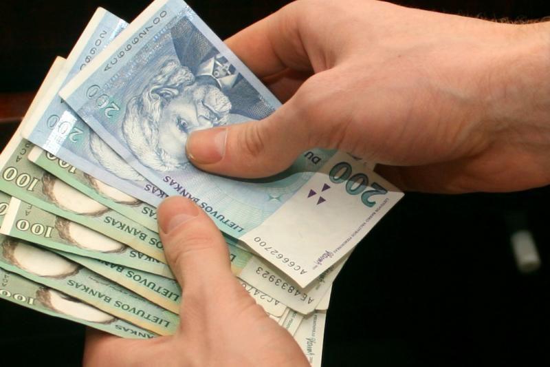 Teismas: buvęs TM sekretorius turės atlyginti per 26 tūkst.litų žalą