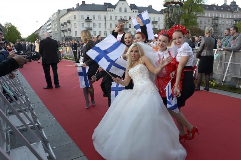 """""""Eurovizijos"""" atidarymo iškilmėse žvaigždės žygiavo raudonu kilimu"""