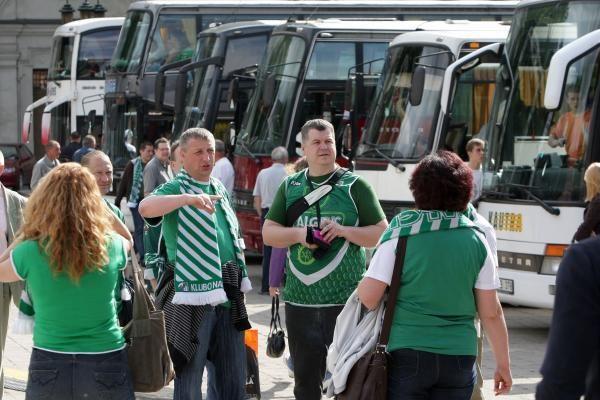 """""""Žalgirio"""" fanai išlydėti į lemiamas LKL finalo rungtynes"""