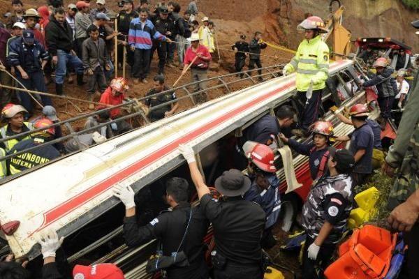 Gvatemaloje didelė žemės nuošliauža nusinešė mažiausiai 22 žmonių gyvybes