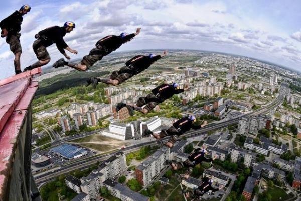 Šuolis nuo Vilniaus TV bokšto (papildyta)