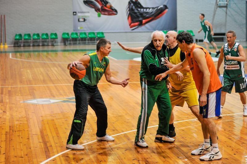 Žalgiriečiai rengiasi mūšiui su CSKA legendomis