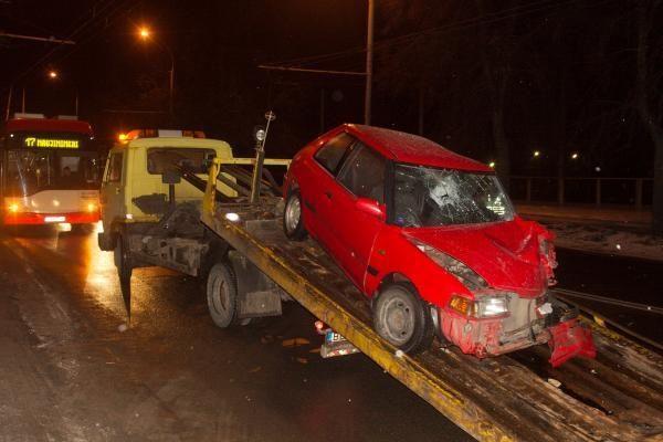 Dėl neblaivaus vairuotojo kaltės susidūrė 4 automobiliai