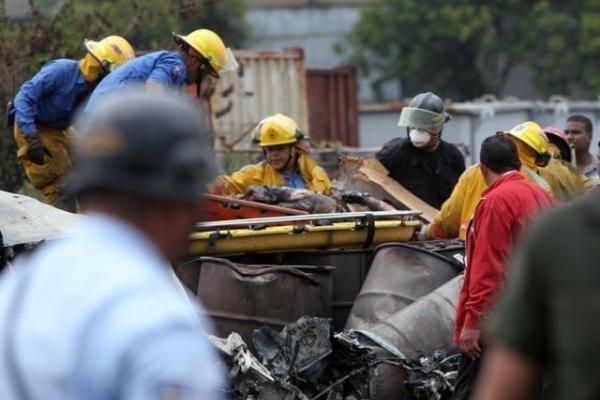 Venesueloje nukritus lėktuvui su 47 žmonėmis, 23 liko gyvi