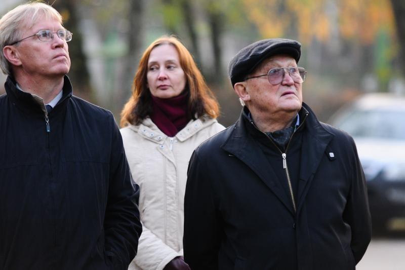 Ministras D.Jankauskas aukojo ir kvietė košės