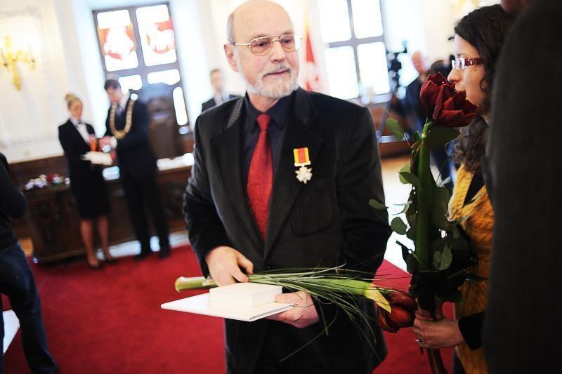 Nusipelniusiems kauniečiams – garbės ženklai ir medaliai