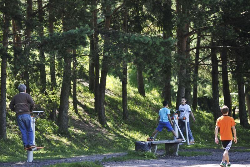 Kauniečiai traukia sportuoti į miesto parkus