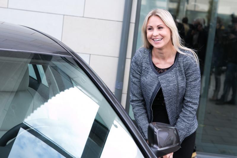 Olimpiečiams įteikti prabangių BMW automobilių rakteliai