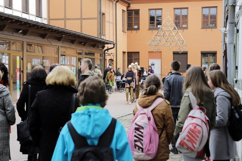Klaipėdos E. Balsio gimnazija švenčia 30-metį (programa)