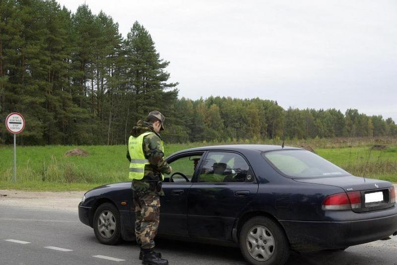 Girtutėlis vairuotojas vos netaranavo pasieniečių automobilio