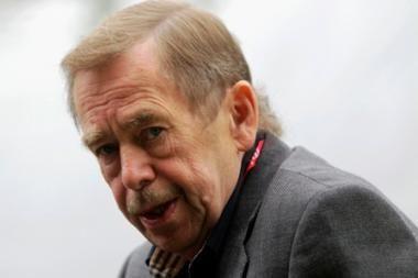 V.Havelas: arabų pasaulio revoliucijos atkartoja Geležinės uždangos griūtį