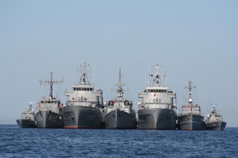 Baltijos jūroje prie Lietuvos krantų - tarptautinės karinės pratybos