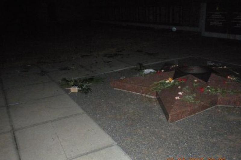Klaipėdoje policijos patruliai sulaikė karių kapų niekintojus