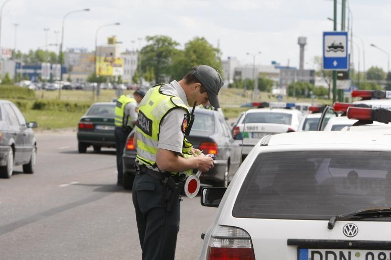 Iš 6 tūkstančių patikrintų vairuotojų – šimtai neblaivių
