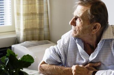 Pernai socialines paslaugas namuose gavo daugiau žmonių nei 2010 m.