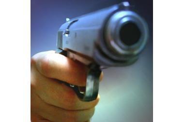 Londone per vaidinimą netyčia iššovęs pistoletas sužeidė aktorių
