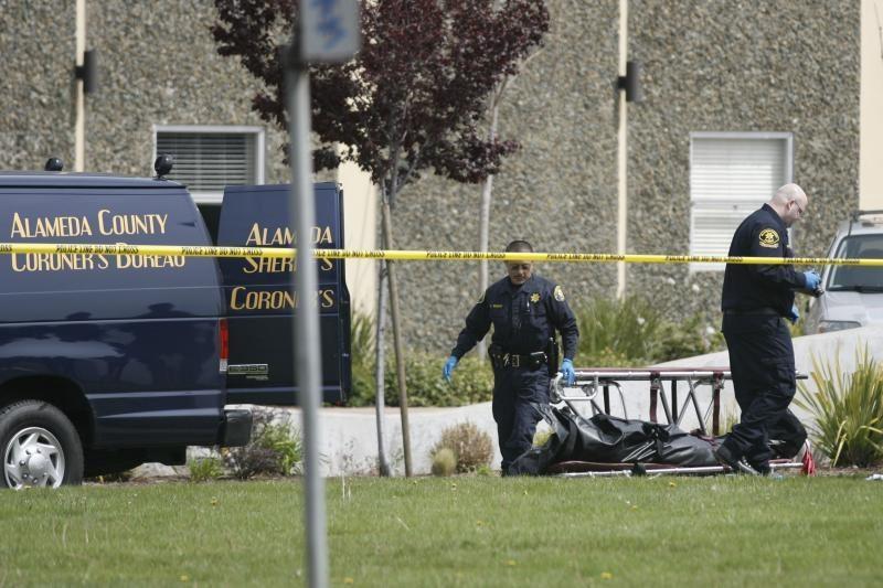 Kalifornijoje siautėjęs žudikas niršo dėl pašalinimo iš koledžo