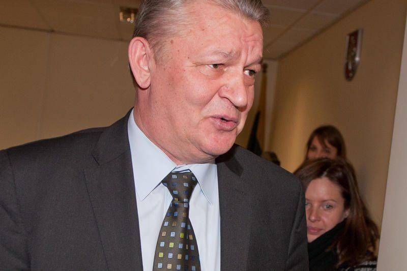 Buvęs Lietuvos banko departamento vadovas bylinėjasi dėl atleidimo