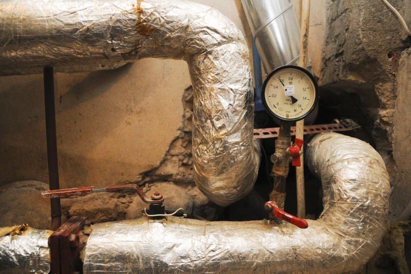 Savaitgalį dėl šalčių jau padaugėjo avarijų šildymo sistemose