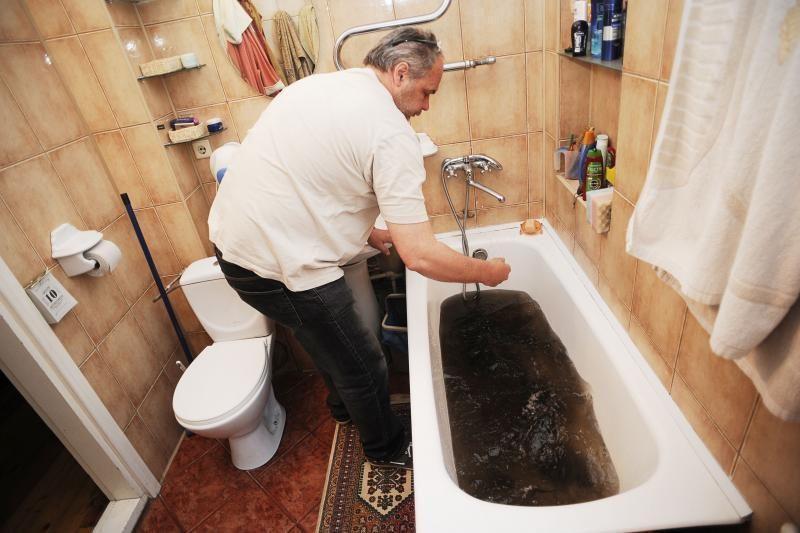 Kauniečiai jaučiasi apgauti: kelias savaites gėrė užterštą vandenį