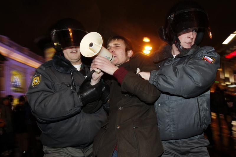 Pareigūnai sulaikė nesankcionuotos akcijos Sankt Peterburge dalyvius