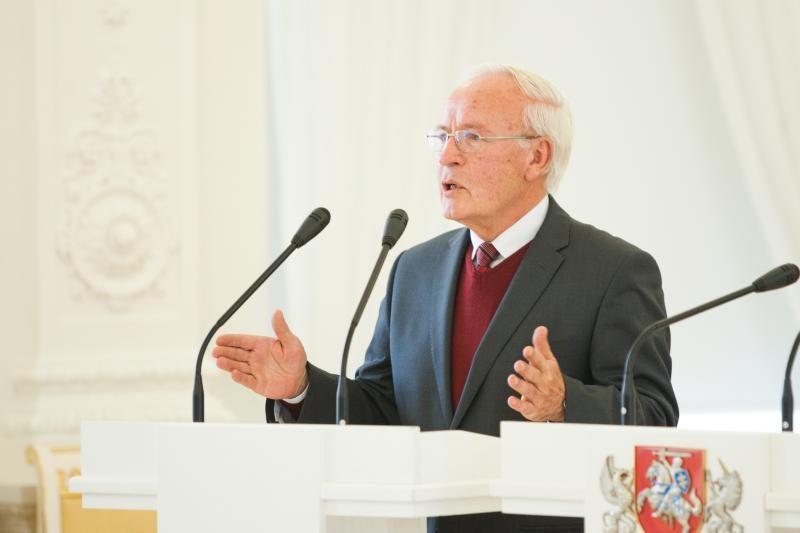 J.Žilys: pataisos dėl apkaltos teisinio konflikto neišsprendžia
