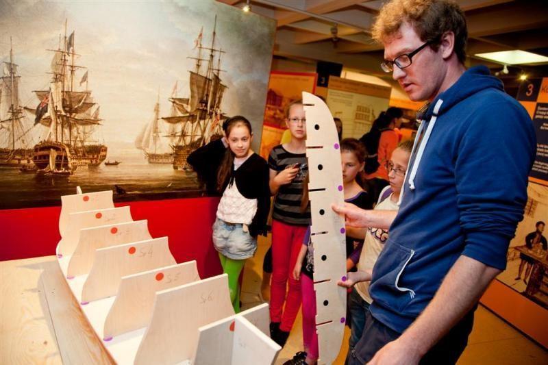 """Jūrų muziejuje - edukacinė paroda """"Kodėl laivas plaukia?"""