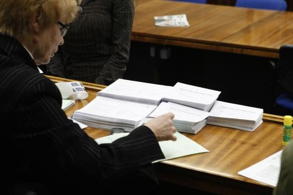 Rinkimus pralaimėję kandidatai VRK neįtikino