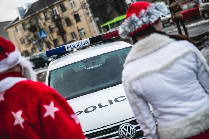Naujametė policininkų dovana – šimtai atšvaitų