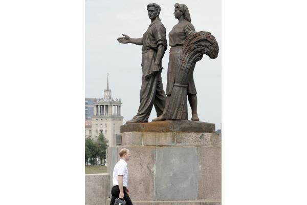 Vilniaus savivaldybė įpareigota sutvarkyti Žaliojo tilto skulptūras