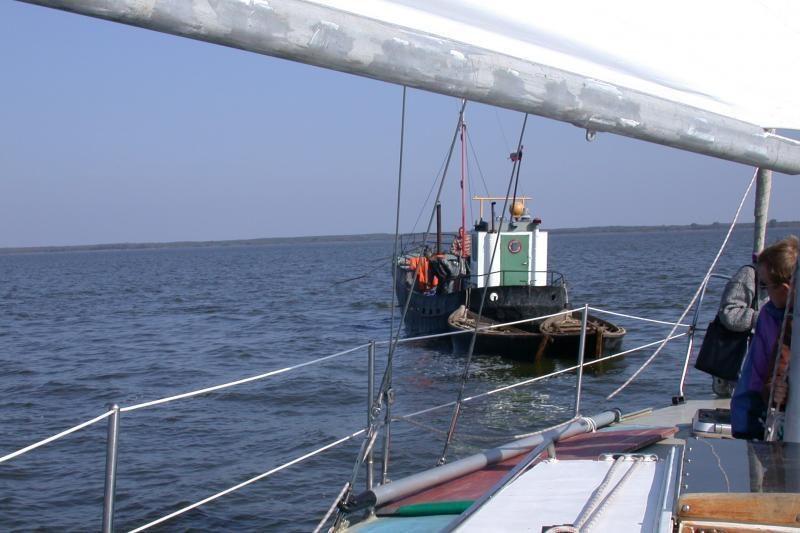 Prie Šventosios uosto vartų ant seklumos įstrigo vokiečių jachta