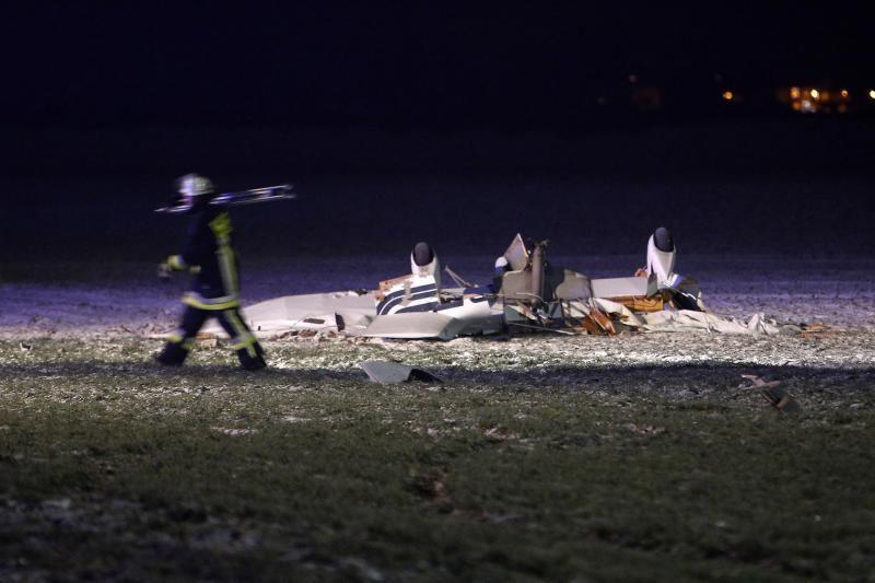 Vokietijoje susidūrė du lėktuvai, žuvo 8 žmonės, iš jų - 4 vaikai