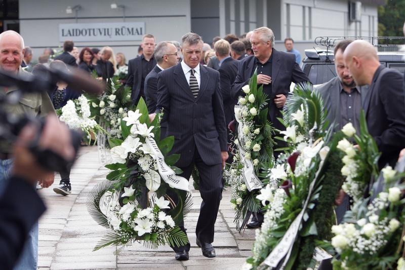 Krepšinio teisėjas V.Dovidavičius palydėtas į paskutinę kelionę