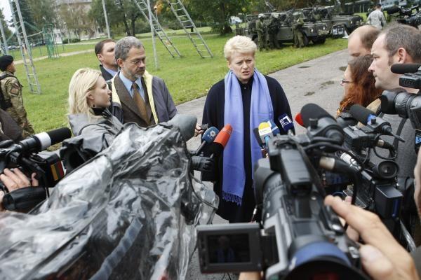 Prezidentė Klaipėdoje ir skraidė, ir kritikavo partijas