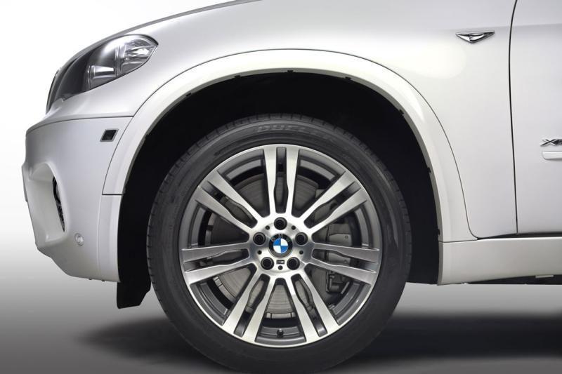 """Klaipėdoje iš požeminio garažo nuvarytas brangus """"BMW X5"""""""