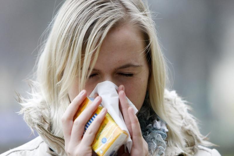 Sergamumas peršalimo ligomis toliau mažėja