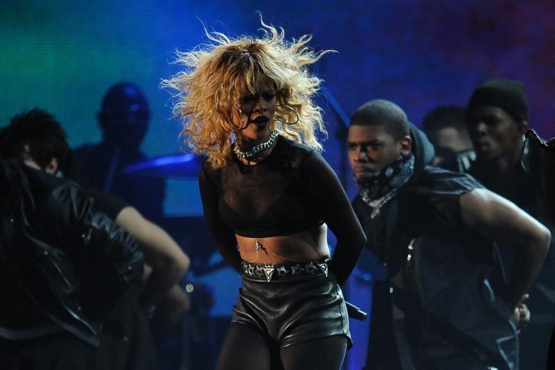 """Grammy"" apdovanojimų ceremonijoje triumfavo Adele"