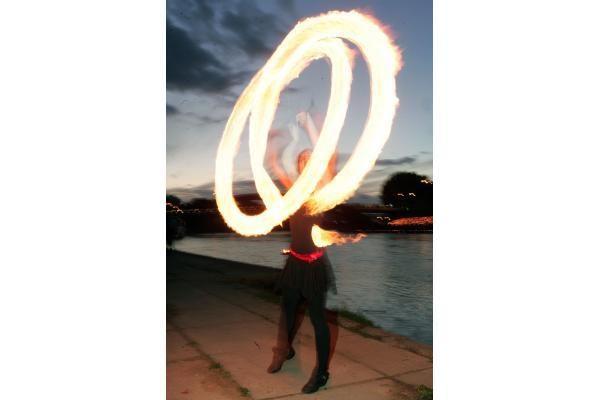 Neries krantinėje uždegta per 4000 žvakučių