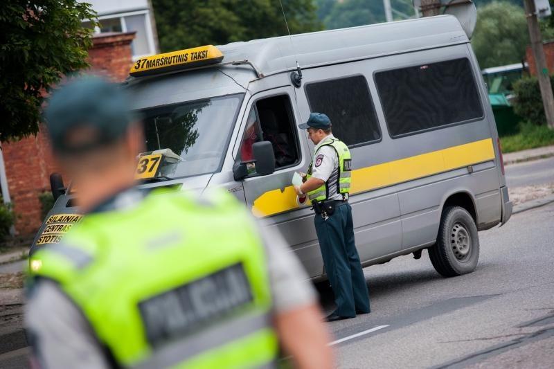 Policijos taikiklyje – taksi ir maršrutiniai autobusai
