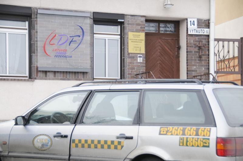 Vilniaus taryba toliau svarstys idėją įkurti taksi įmonę