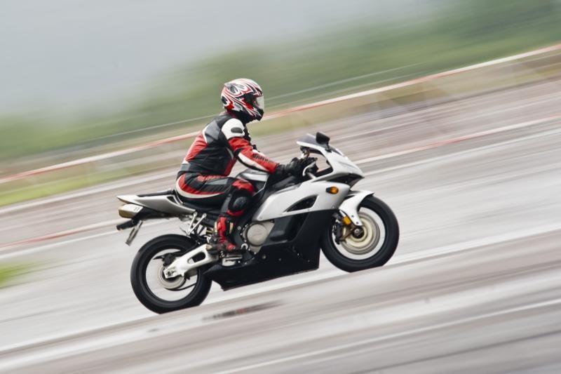 Motociklų gerbėjams – proga išbandyti lenktynių trasą