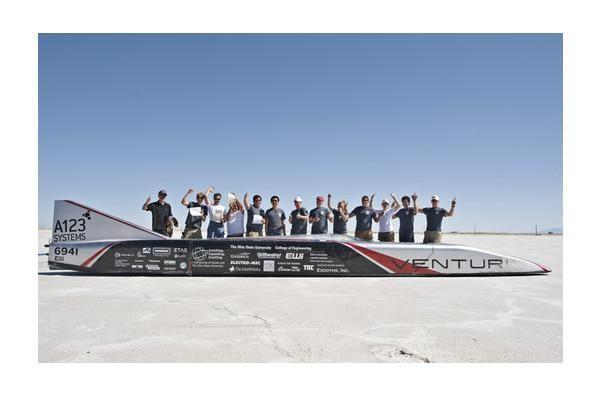 Naujausias elektromobilio greičio rekordas - 512 km/val.
