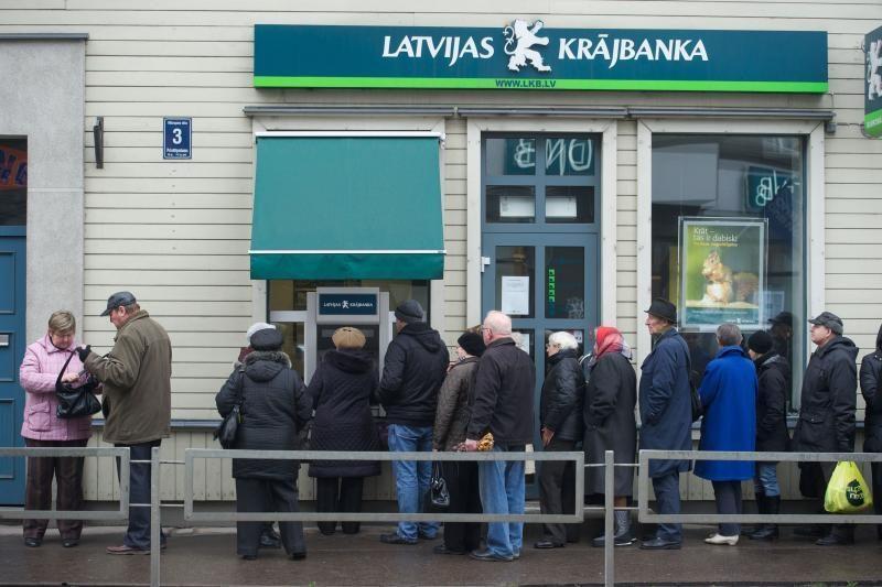 """""""Latvijas Krаjbankа"""" reikalauja iš R.Paulo permokėtų 100 latų"""